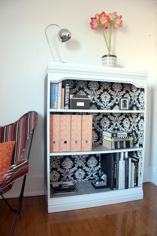 Diy brighten up your bookshelf and reading life for Diy cassette shelf