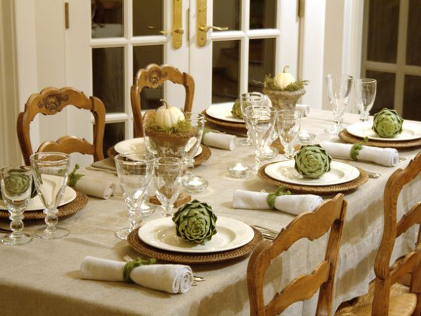 Dried-artichokes-on-a-Fall-table