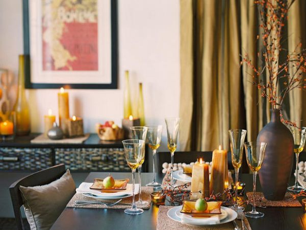 Fall table decorations with a golden glow