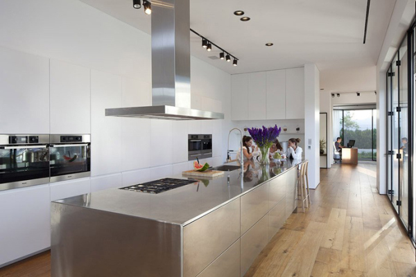 Glass Private House – kitchen with stainless steel countertop