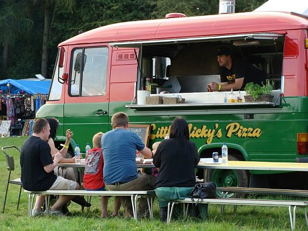 Little Nickys tasty pizza Little Nickys Tasty Pizza: Fancy Mobile Pizzeria in South East London