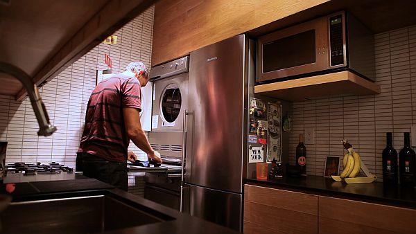 Michael Pozner - bachelor kitchen design