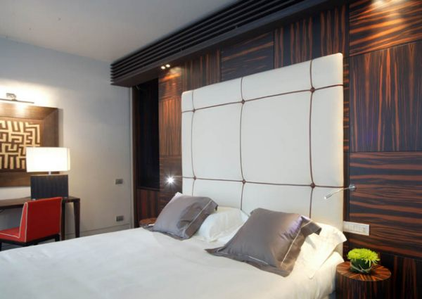 Recessed Lighting Over A Hotel Bed Decoist