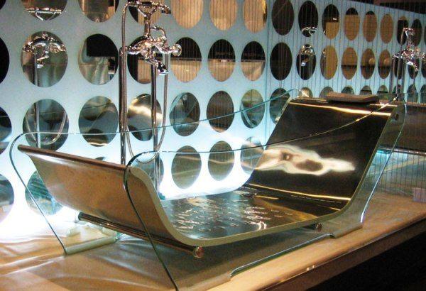 Wausanas-Glass-Tub