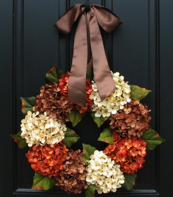 autumn wreath e1346852070362 Colorful Autumn Additions for your Outdoor Home