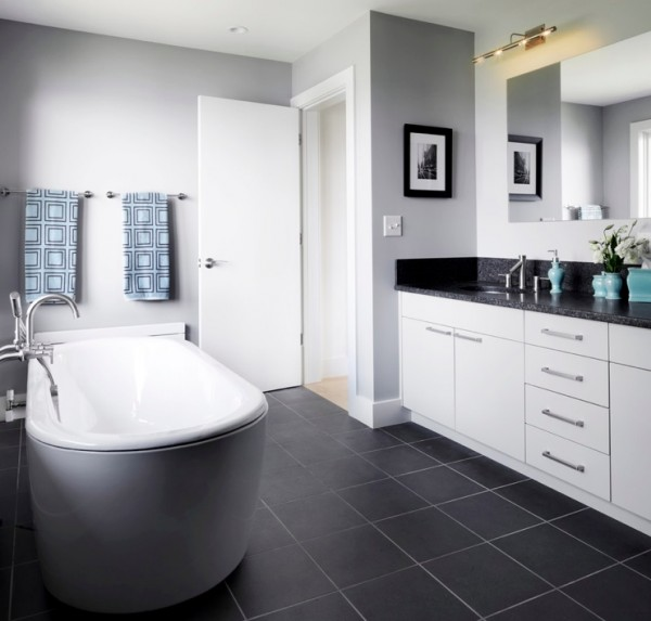 How to use dark floors to brighten your dull home for Bathroom ideas with wood floors