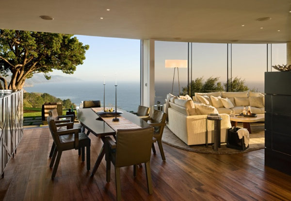living-room-and-dining-area-with-stunning-views