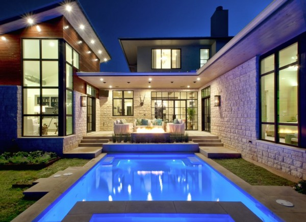 modern mountain home evening pool