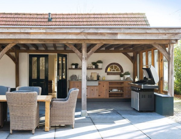Creating the ideal outdoor summer kitchen this fall for Outdoor summer kitchen ideas