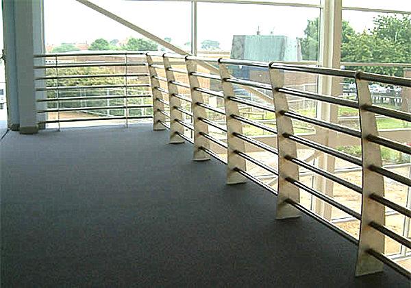 Modern handrails adding contemporary style to your home 39 s for Terrace railing design