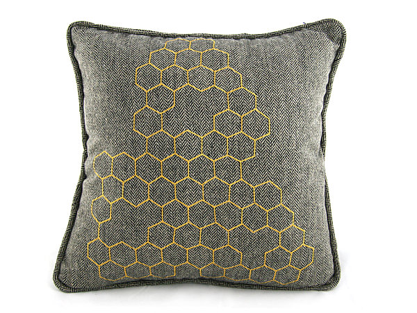 A-modern-honeycomb-pillow