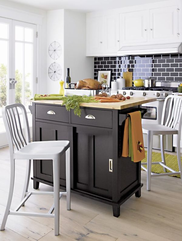 Aluminum-barstools-for-counter-dining