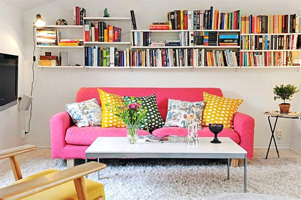 10 small urban apartment decorating ideas for Ikea sofa rosa