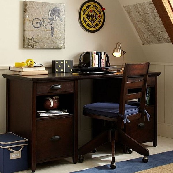 Boys work station with a sturdy and strapping look