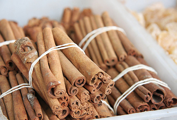 Cinnamon sticks The Scent of Autumn: Six Ingredients that Look and Smell Good