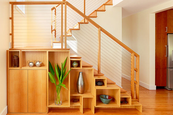 Compact stairs with classy shelf space