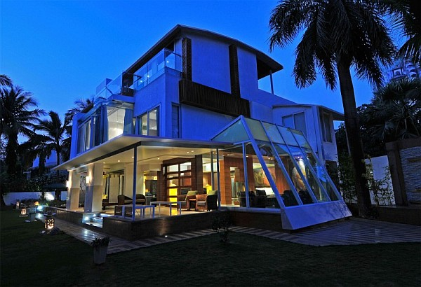 Stylish contemporary home in india revamped with lavish for Interior of beautiful houses in india