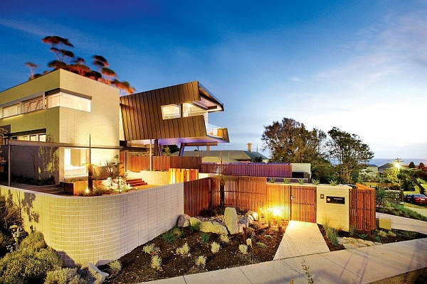 Contemporary Sustainable Home In Melbourne Creates A