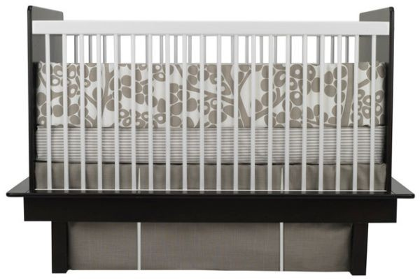 Cool and stylish Oilo Modern Berries crib set