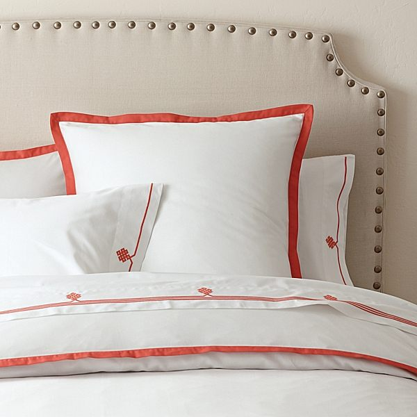 12 bedding designs for fall - Look contemporary luxury bedding ...