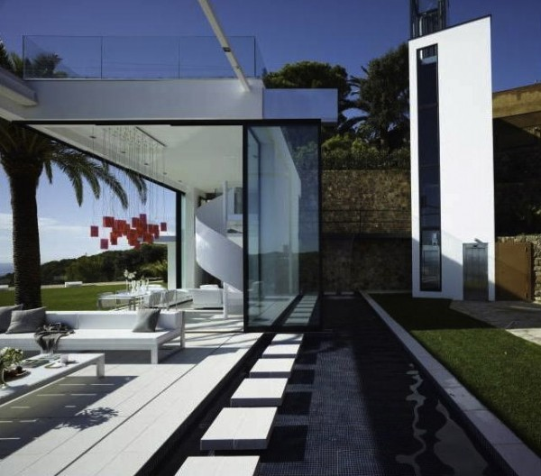 Costa Brava luxury home 2 Contemporary Spanish Home Integrates Stylish Interiors With the Scenic Mediterranean
