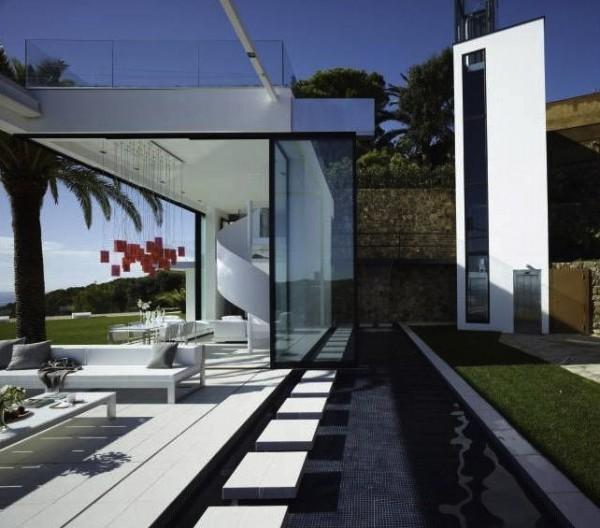 Contemporary Mediterranean Luxury Interior Designs: Contemporary Spanish Home Integrates Stylish Interiors