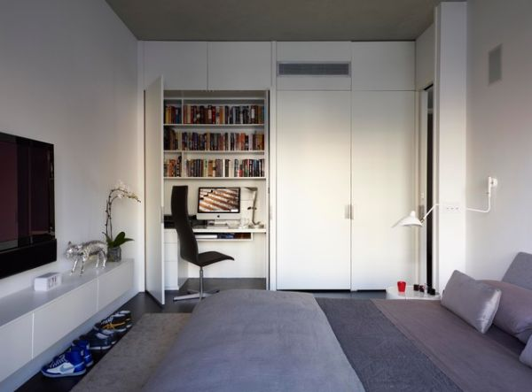 Efficient Home office in the corner of the bedroom