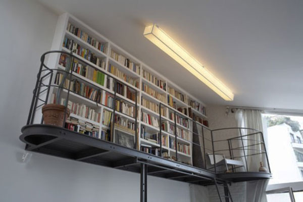 Home library that embraces minimalism to the core