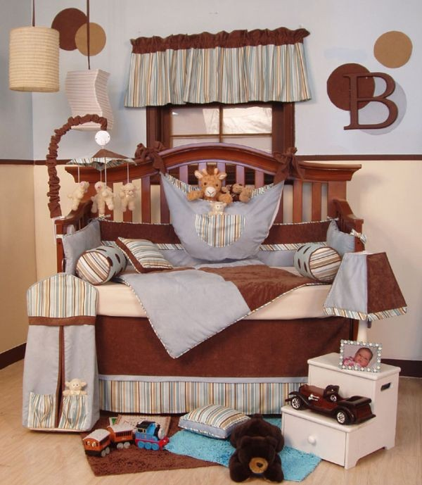 Lovely-baby-bedding-in-cream-and-brown