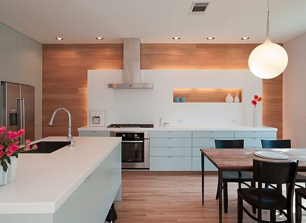 Modern kitchen design with an accentuated horizontal theme