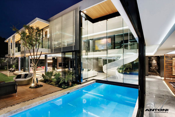 House In Johannesburg Twinkles With Glittering Contemporary Features