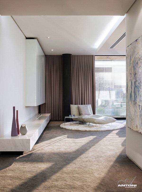 Opulent-modern-home-in-Houghton-luxurious-relaxing-spot