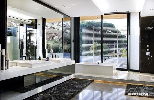 Opulent-modern-home-in-Houghton-luxury-bathroom-decor