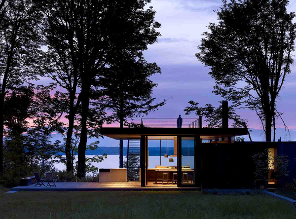 Scenic lake views Scenic Weekend Getaway: Case Inlet Retreat in Washington