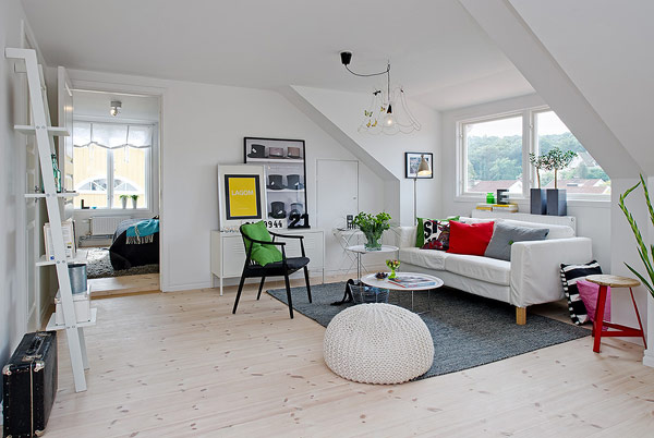 Scandinavian spacious attic apartment sizzles with pristine charm - Setting up an attic apartment ...