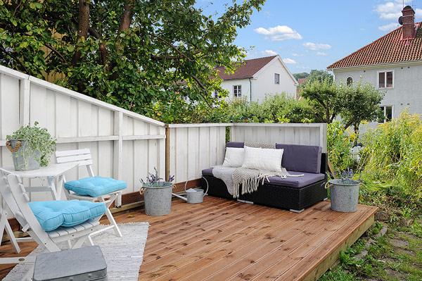 Small Attic apartment – outdoor gardeen
