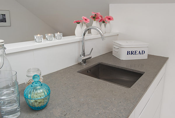 Small Attic apartment – sink