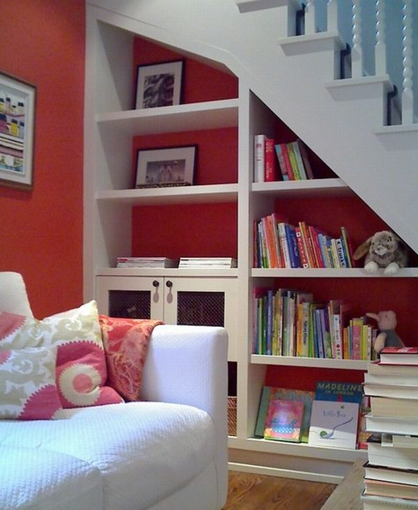 Smart storage shelf in white and red