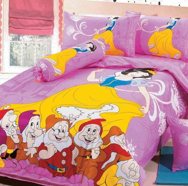Snow White and seven dwarfs bedding set