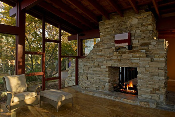 40 stone fireplace designs from classic to contemporary spaces for Disegni di log casa stile ranch