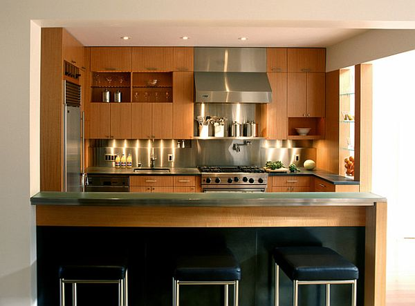 Wood and stainless steel decoration for a modern looking kitchen