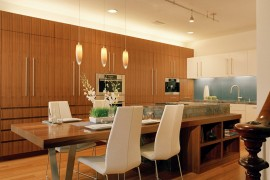 Oversize Kitchens: How to Include Comfortable Dining Space