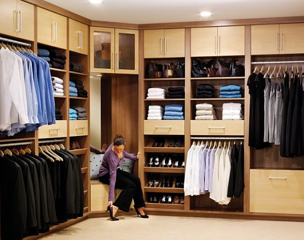 organized walk in closet decoist