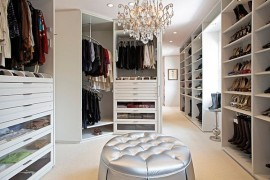 Celebs inspiration: White modern walk in closet