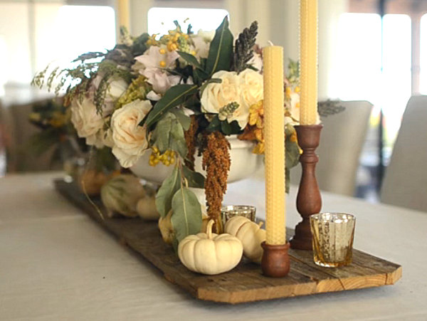 A-Thanksgiving-floral-centerpiece-with-taper-candles