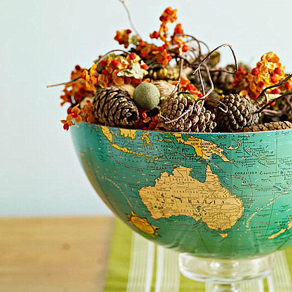 A globe centerpiece for Thanksgiving 20 Stylish Thanksgiving Crafts to Make Your Home Unique