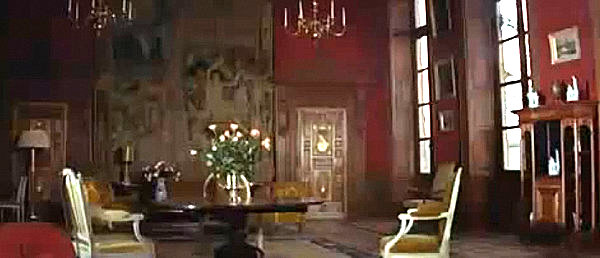 A screen shot of the Château d'Anet in Thunderball