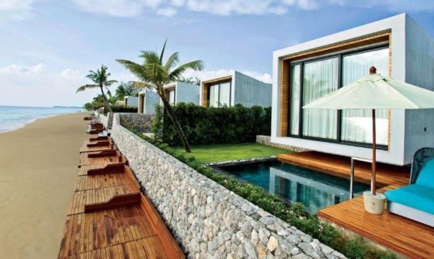 Casa De La Flora: Secluded modern paradise set next to the stunning Andaman Sea