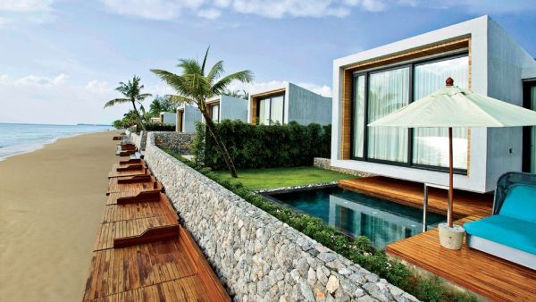 Casa De La Flora in Khao Lak Casa De La Flora: Secluded modern paradise set next to the stunning Andaman Sea