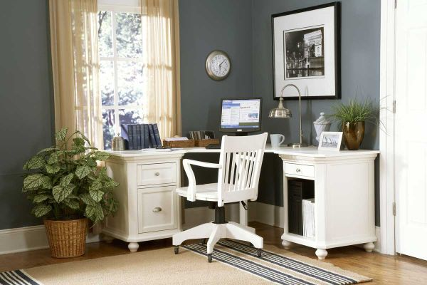 classic and simple home office design for small corners